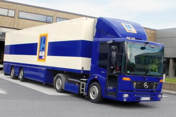 Aldi fährt Mercedes-Benz Econic mit Erdgas-Motor