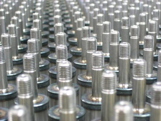 Ein Rohr aus fünf verschiedenen Stahlsorten