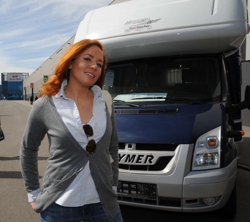 Führende Wohnmobilhersteller Auf Urlaubs Und Caravan Messe Blühendes