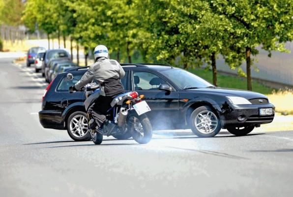 160 Leben können jährlich durchs Motorrad-ABS gerettet werden