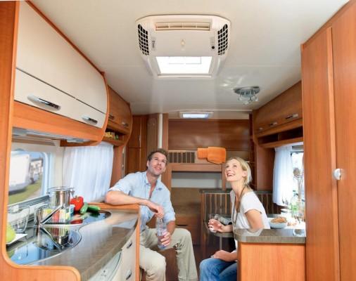 Klimakomfort und Tageslicht zusammen unter einem Caravandach