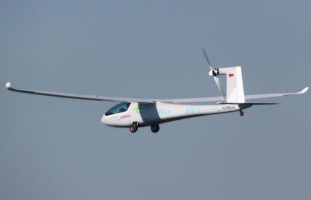 Elektroflugzeug auf Erprobungstour