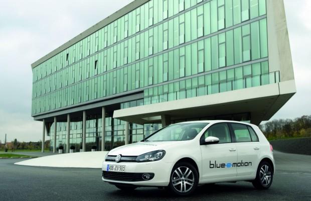 Erste Golf Blue-E-Motion rollen durch Wolfsburg