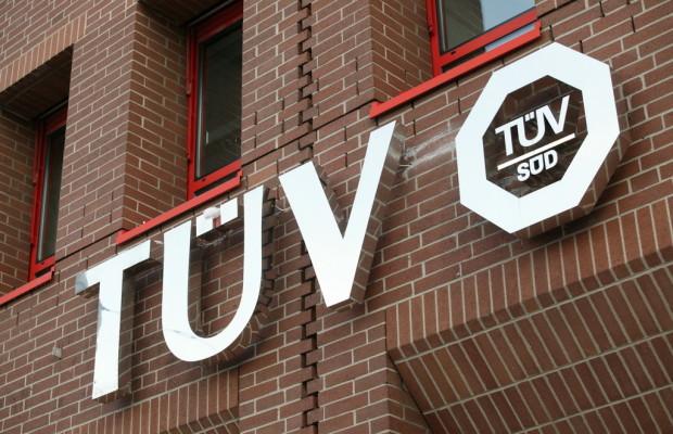 TÜV Süd vertreibt Alkoholtester für Frankreich