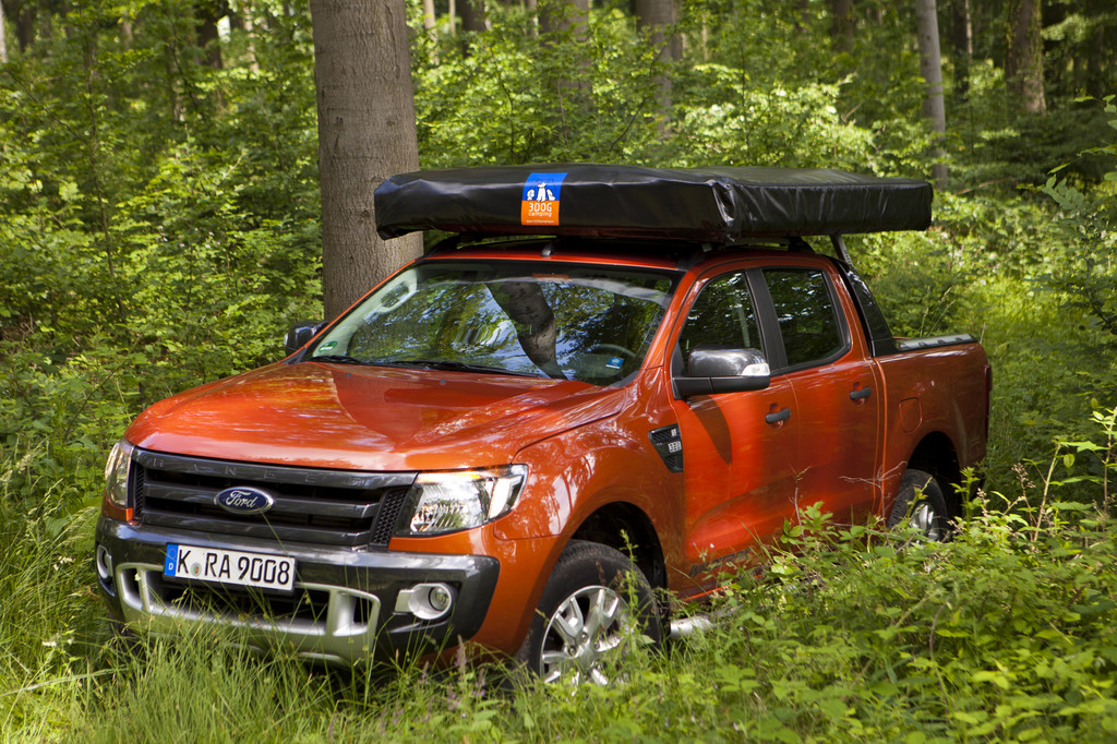 caravan salon 2012 3dog camping top dog f r ford ranger. Black Bedroom Furniture Sets. Home Design Ideas