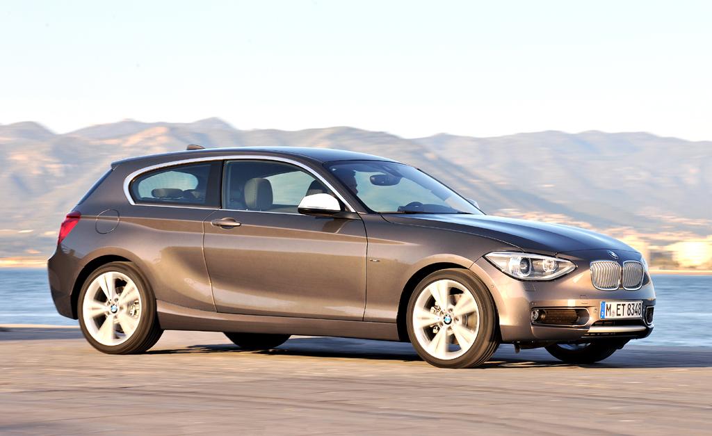Mehr Platz hinten, im Kofferraum: BMW hat bei 1er auch ...