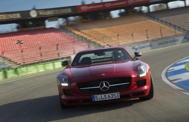 Mercedes SLS GT - Aus der Boxengasse auf die Autobahn