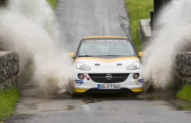 Mit dem Opel Adam »Cup« auf die Piste – Die Gier nach Kurven