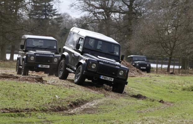 Panorama: Land Rover - Seit 65 Jahren durch dick und dünn