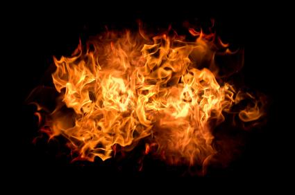 Urteil: Halter haftet für Feuer durch abgestelltes Auto
