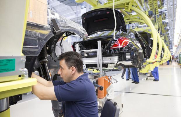 Mercedes-Benz baut mehr Autos als je zuvor