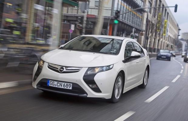 Der stromernde Opel Ampera nimmt Fahrt auf