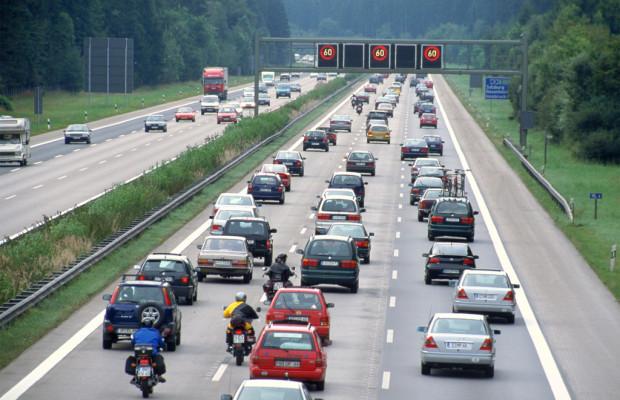 Stauprognose: Auf den Straßen wird's ruhiger