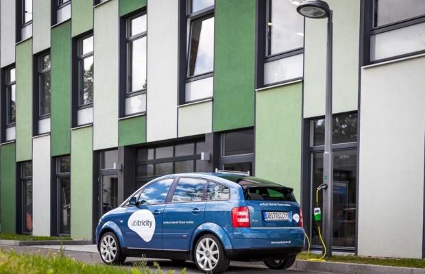 Ladetechnik für Elektroautos - Erste Laternen-Tankstelle eröffnet