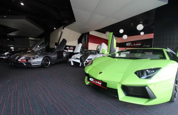 Panorama: Der größte Sportwagenhändler der Welt - Im Motor-Märchenland