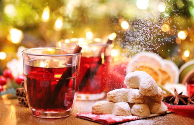 Weihnachtsfeier: Bei Alkohol Hände weg vom Steuer