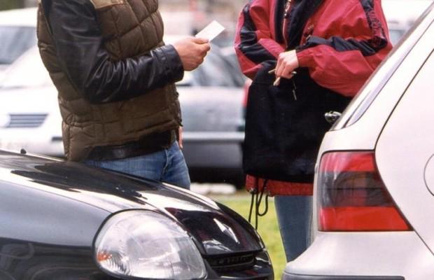 Autofahrer haftet wegen falsch gesetztem Blinker