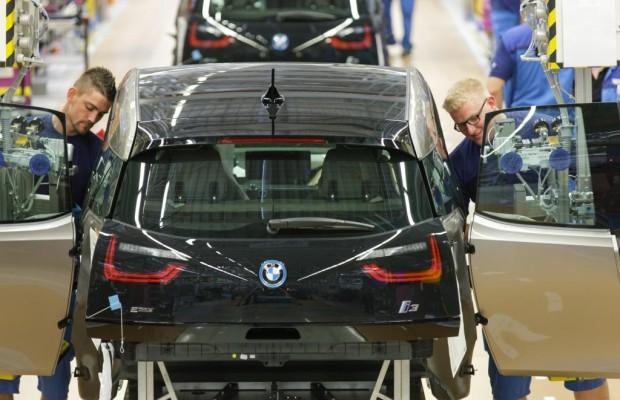 Elektroautos in Deutschland - In der Produktion Erster, beim Absatz Letzter