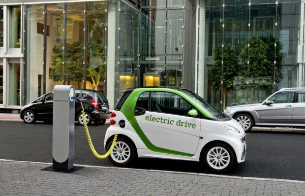 KÜS-Trend-Tacho: Alternative Antriebe - Interesse an Elektroautos steigt