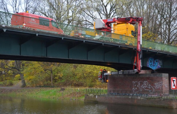 Dobrindt: Angst vor einstürzenden Brücken