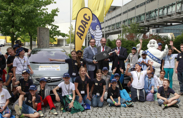 Opel verlängert Kooperation mit ADAC