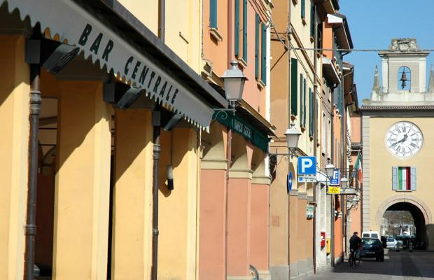 Sant'Agata Bolognese: Im Zeichen des Lamborghini-Stiers in der Emilia