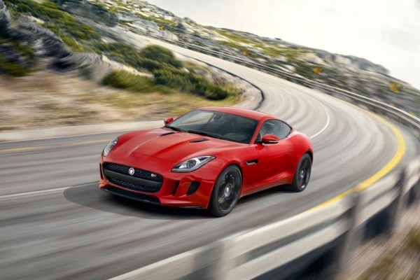 Buchbesprechung - Jaguar F-Type bei Delius Klasing