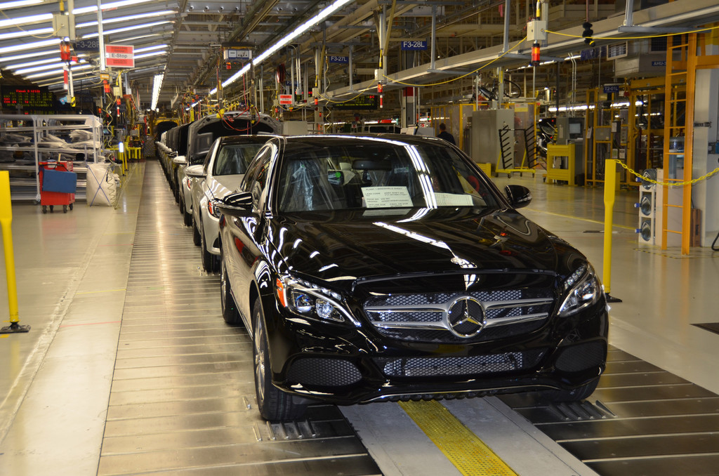 Mercedes-Benz richtet Pkw-Produktionsorganisation neu aus