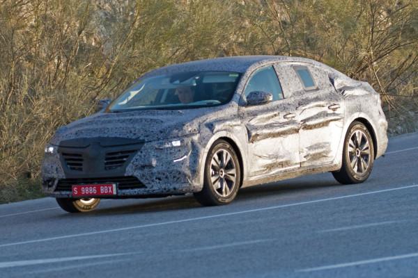 Erwischt: Erlkönig Renault Laguna