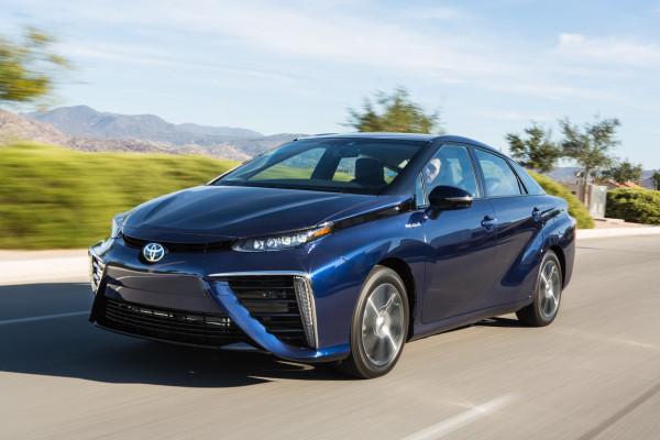 Toyota baut drei Mirai pro Tag