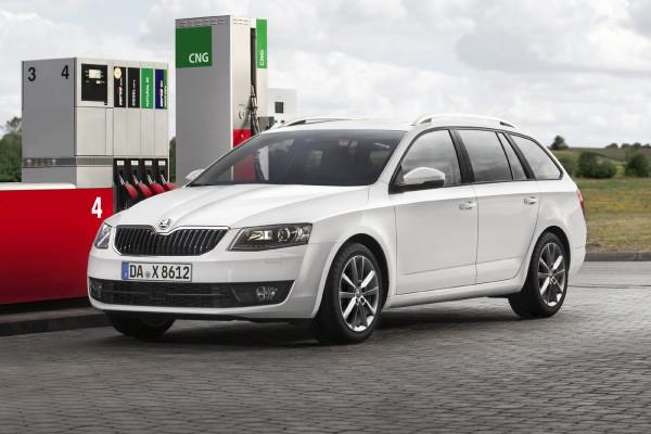 Mit Freude zur Tankstelle: Fahrer von Erdgasautos sind mit dem Verbrauch ihres Fahrzeugs sehr zufrieden.