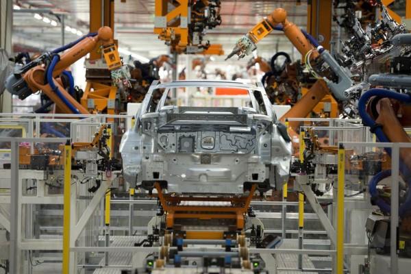 Karosseriebau im VW-Werk Emden.