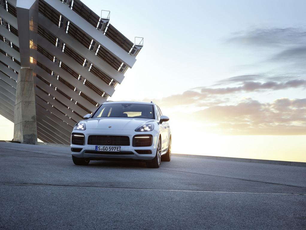 Porsche Cayenne E-Hybrid.