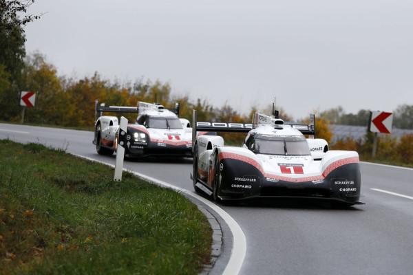 Die letzte Fahrt führte die beiden Porsche 919 Hybrid ins Museum des Sportwagenherstellers in Zuffenhausen.