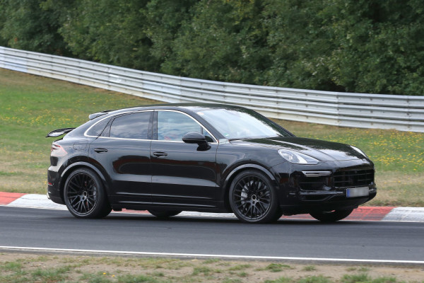 Porsche Cayenne Coupe.^Porsche Cayenne Coupe.