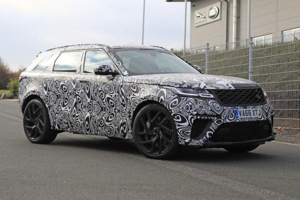 Range Rover Velar SVR.