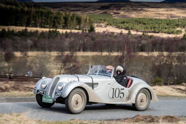 Spektakuläre Oldtimer-Rallye