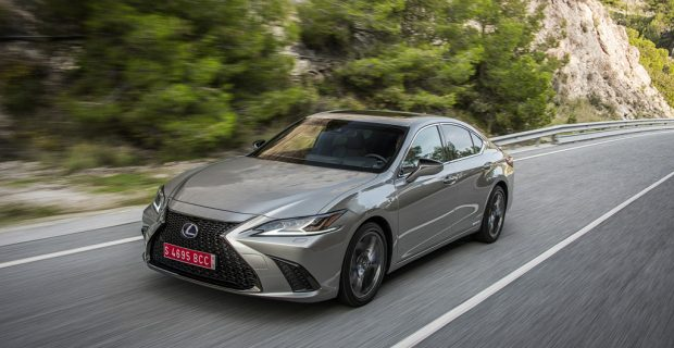 Lexus ES 300h und RC 300h: Selbstbewusster Luxus