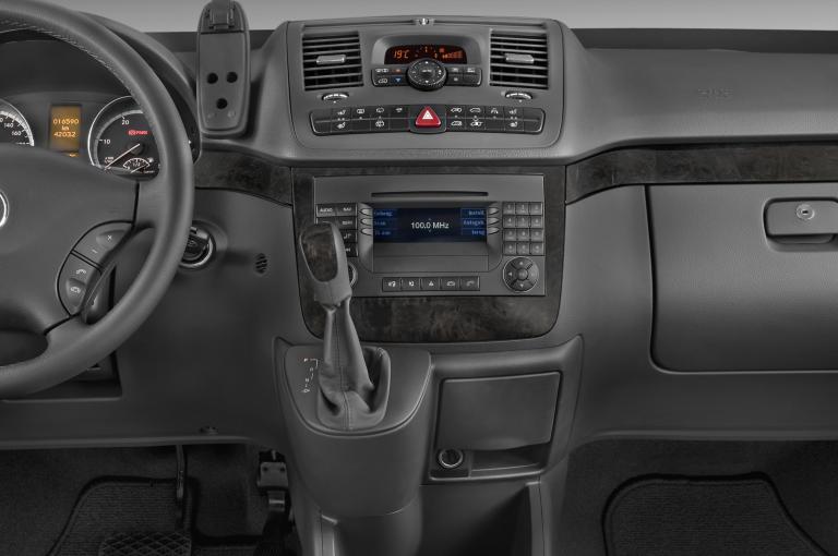 Mercedes-Benz Viano Van (639)