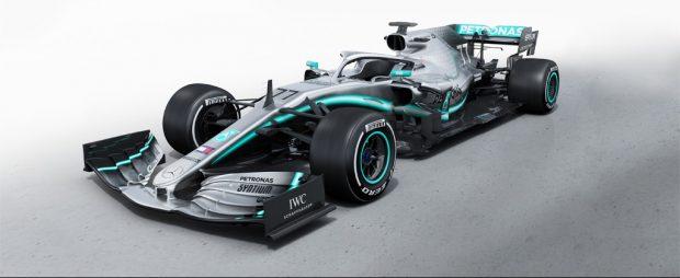 Hamilton und Bottas mit dem neuen AMG-Dienstwagen