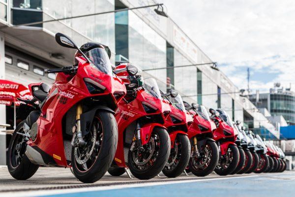 Mit Ducati auf die Rennstrecke